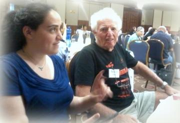 מאיר מירב ואני, משוחחים על האפשרות של בלוג לפרסום הקריקטורות שלו