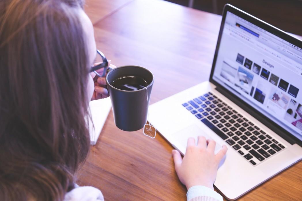 איך ליצור קשר במדיה חברתית עם אנשים שלא מכיריםאותנו